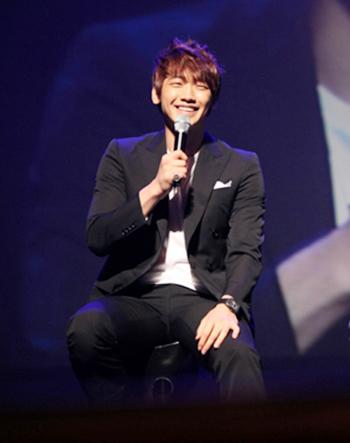 ▲ 사진출처= 비 공식 홈페이지(http://www.rain-jihoon.com)